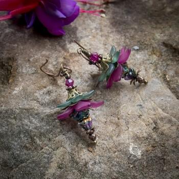 Boucles d'oreilles clochettes « fée de l'automne » de couleur vert et fuchsia