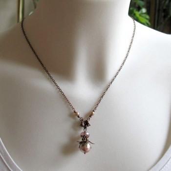 Collier vintage « Fruit des bois », perle cristal