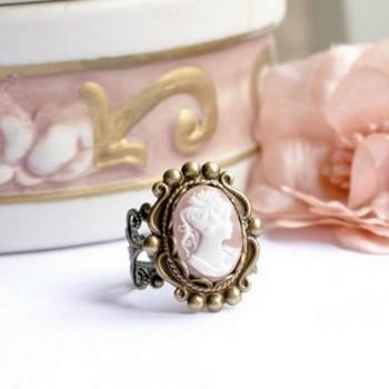 """Bague victorienne camée """"rose"""""""